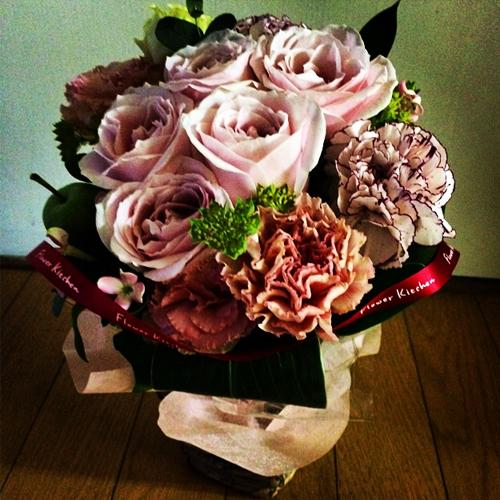 ここからミー日記リンパドレナージュ開店祝いお花